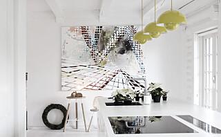 Hvitt interiør trenger slett ikke være kjedelig