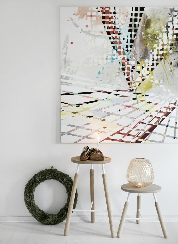 KULE KRAKKER: Disse er fra &tradition. Kunsten på veggen tilfører farge i hjemmet.   Foto: Ina Agency