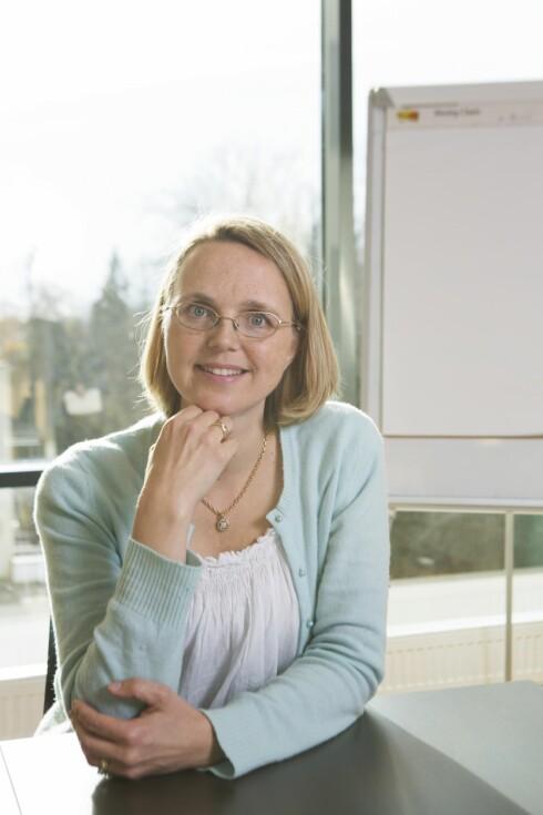 <strong>SENSKADER OG ETTERVIRKNINGER ER VANLIG:</strong> Ernæringsfysiolog Susanne Weedon-Fekjær ved Vardesenteret, treffer mange som sliter med overvekt og fatigue etter at de har hatt kreft. Foto: Ellen Johanne Jarli