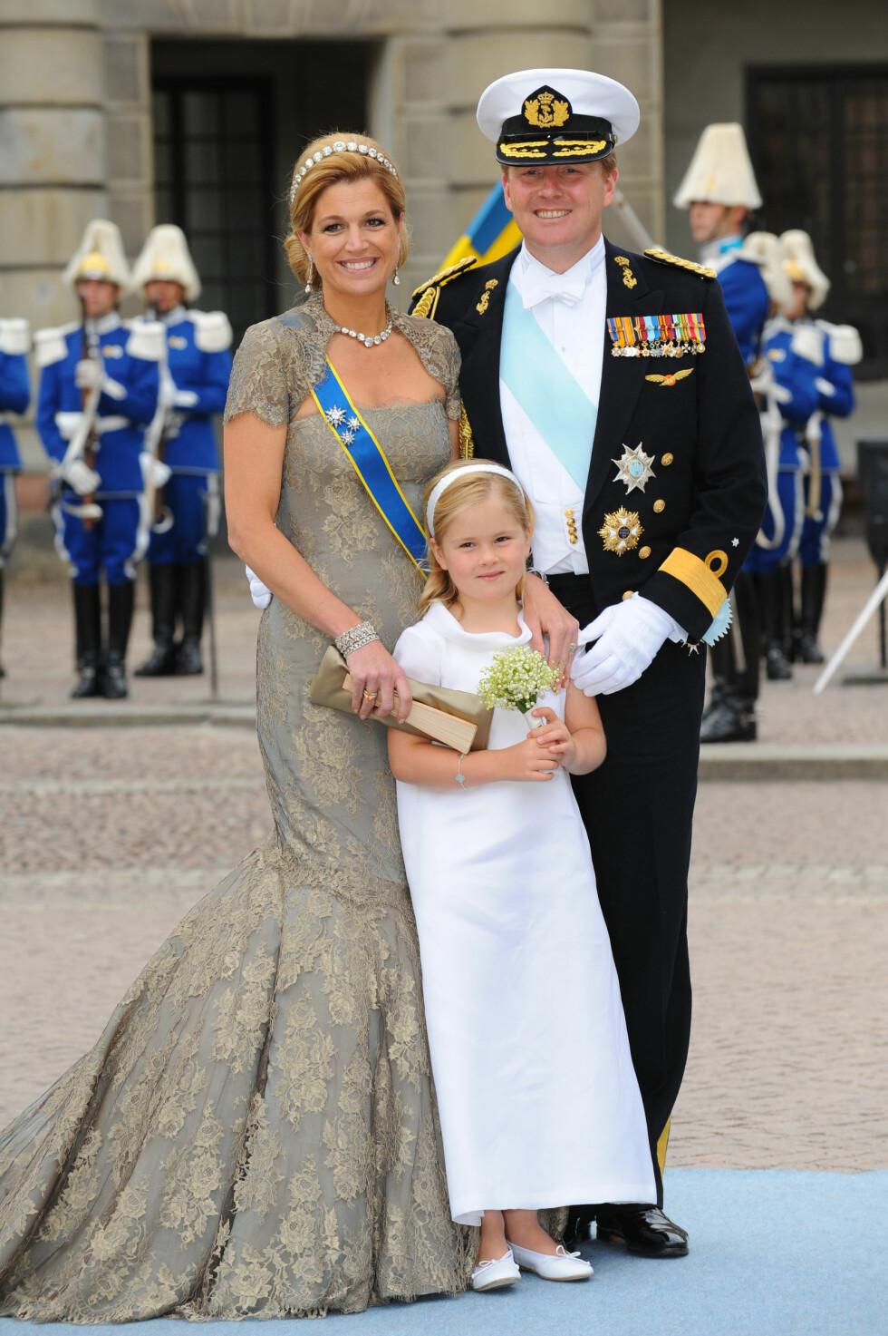 KOMMENDE DRONNING: Kronprinsesse Catharina-Amalia (12) av Nederland skal en dag ta over tronen etter mamma dronning Maxima og pappa kong Willem-Alexander. Hun var brudepike da kronprinsesse Victoria giftet seg med Daniel Westling i Sverige sommeren 2010. Foto: NTB Scanpix