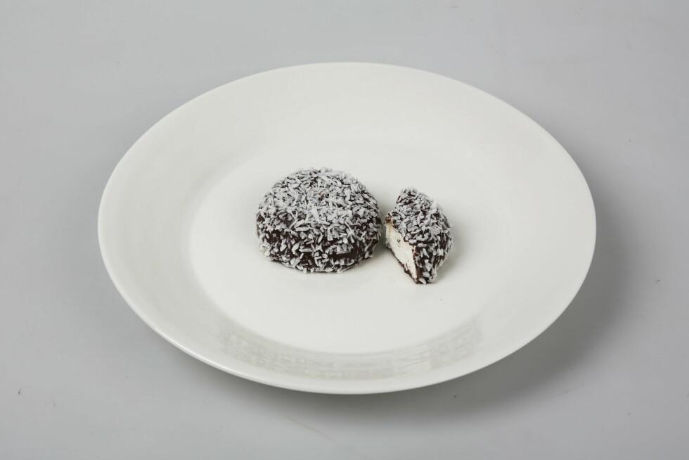 KOKOSBOLLER ER GLUTENFRIE: Det positive er at de fleste kokosboller er gluten- og laktosefrie. Til gjengjeld inneholder de en god del sukker og stivelse.  Foto: VG
