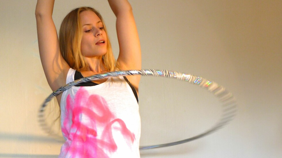 HOOP DANCE: Husker du rockeringen? Hoop Dance er en ny og morsom treningsform som blir stadig mer populær. Foto: Privat