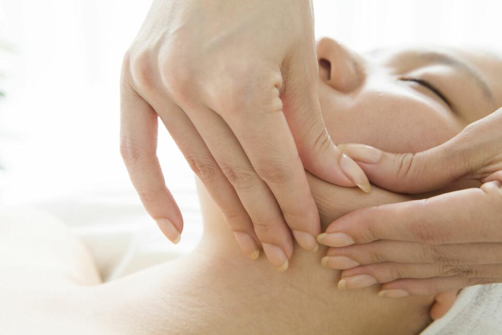 KJEVEPROBLEMER: En utbredt årsak til at norske kvinner oppsøker fysioterapeut eller kiropraktor.  Foto: NTB Scanpix