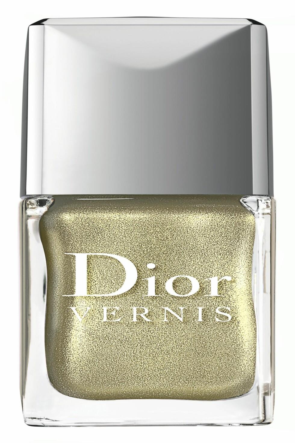 Metallisk neglelakk (kr 300, Dior). Foto: Produsenten