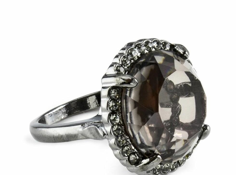 Ring (kr 50, H&M). Foto: Produsenten