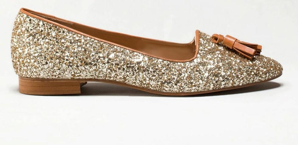 Glitrende loafers (kr 1000, Massimo Dutti). Foto: Produsenten