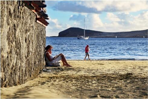 FREDELIG PLETT: Ti minutters  kjøring fra Playa de las Americas og Los Cristianos ligger den idylliske og turistfrie byen El Médano. Foto: Erik Valebrokk