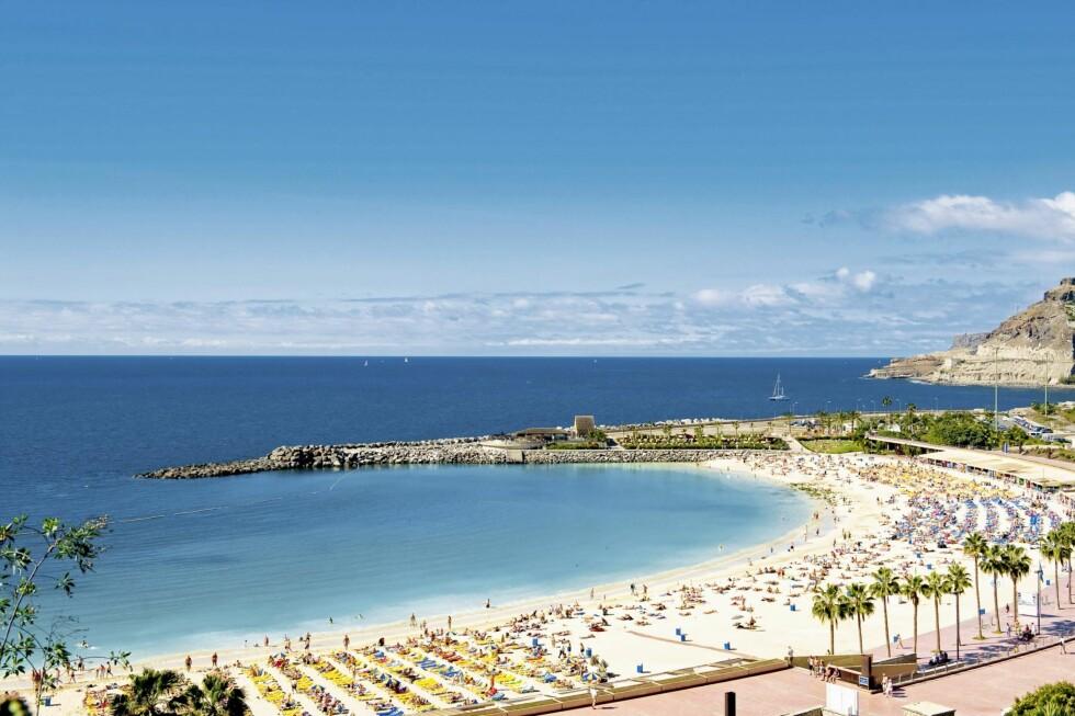 POPULÆR: Amadores-stranden er kunstig, men den er til gjengjeld en av de fineste på Gran Canaria. Foto: Star Tour
