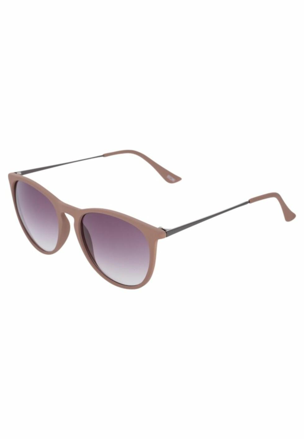 Solbriller fra Kiomi via Zalando.no, kr 179. Foto: Zalando.no