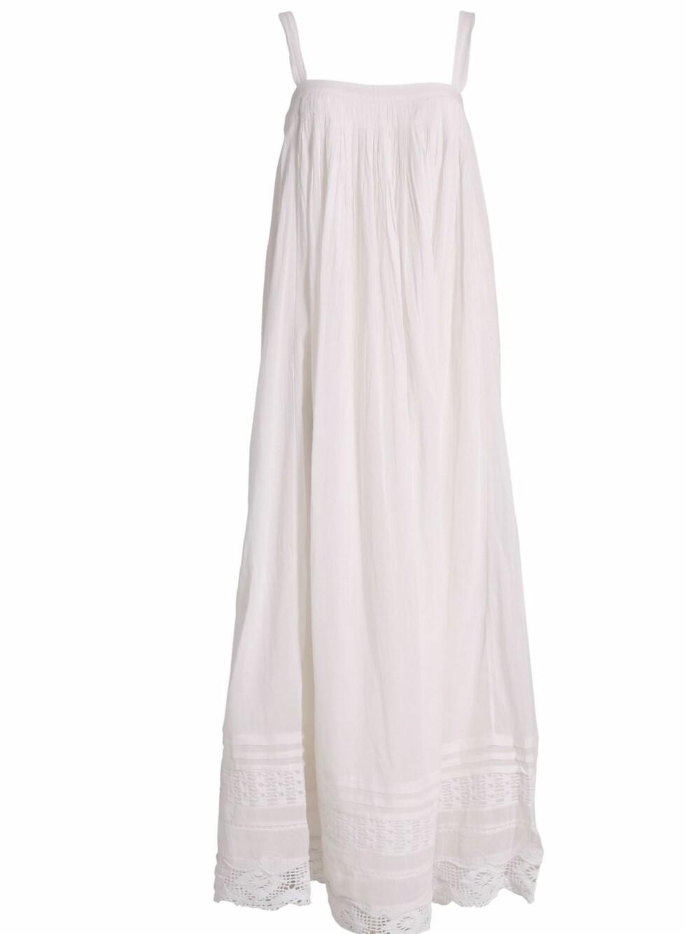 Lang og romantisk kjole (kr 2195, By Malene Birger/Nelly.com).