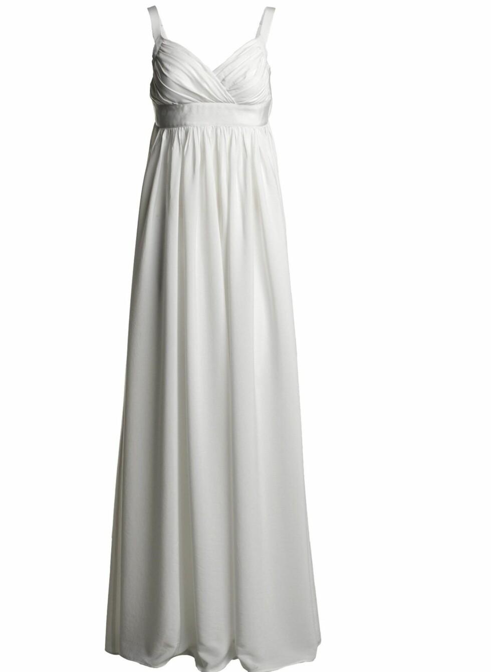 Lang kjole med draperier (kr 700, Lindex). Foto: temporary2
