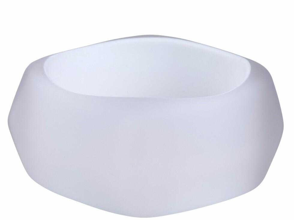 Armbånd i plastikk (kr 70, Cubus).