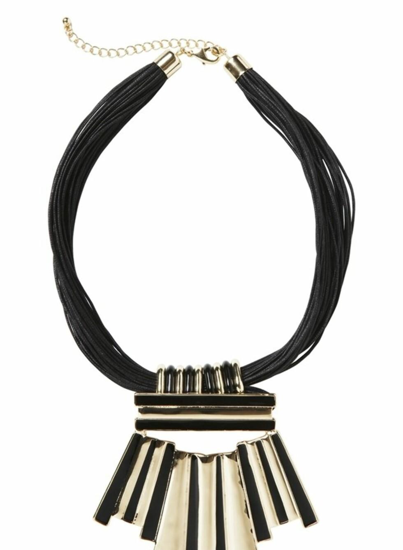 Kraftig smykke i svart og gull (kr 150, Monki). Foto: Produsenten