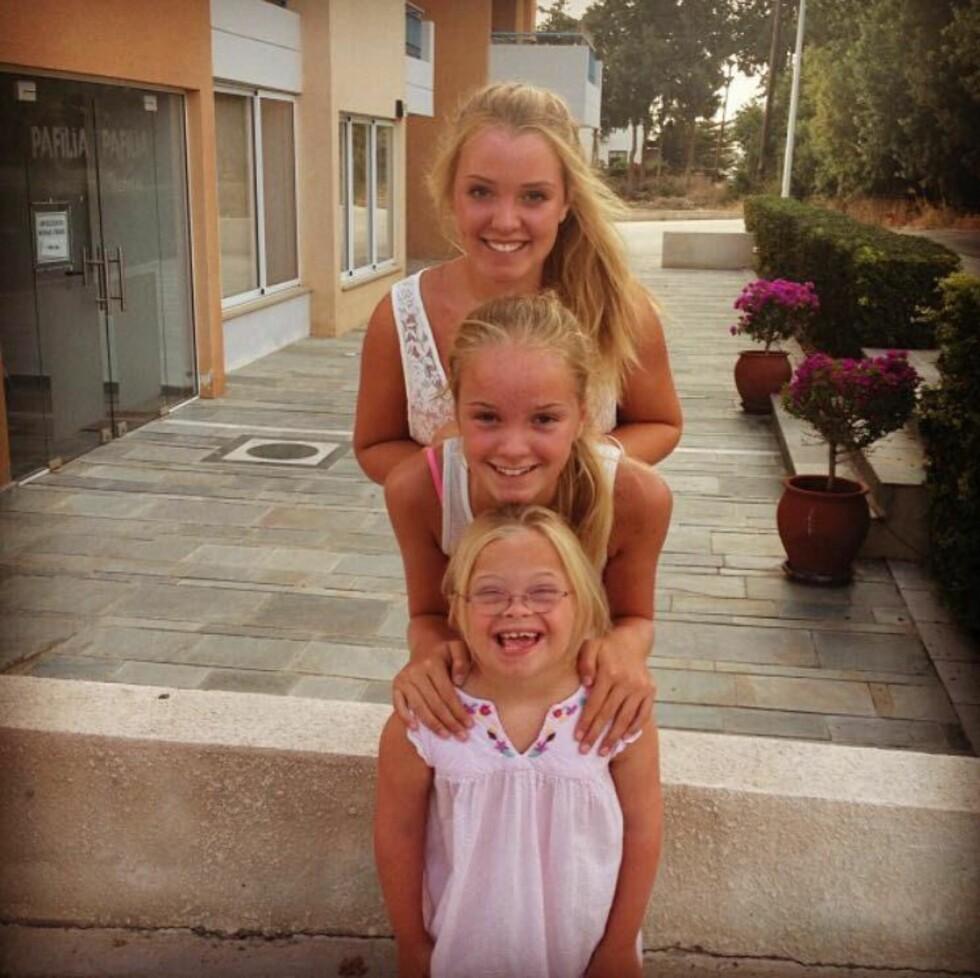 FERIETUR: Hele familien ferierte på Kypros sommeren 2013. Angelika foran, Aurora i midten, Selene bakerst. Denne turen ble starten på bloggingen. Foto: Privat