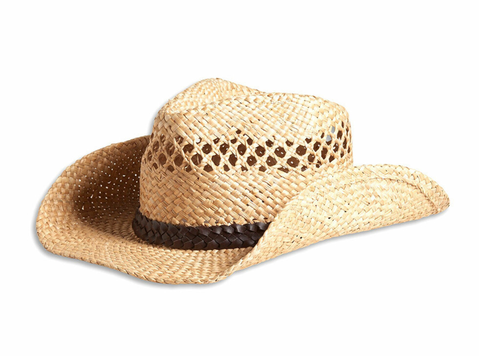 Denne cowboyaktige solhatten er designet av Rachel Zoe, og koster 99 kroner. Foto: Lindex