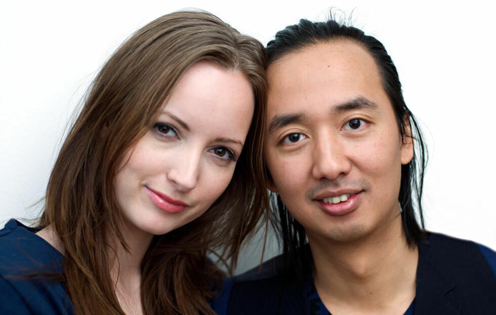 BRAKDEBUT: Designerdoen Marianne Haaning (t.v.) og Min Htoon gjør stor suksess med sin aller første kolleksjon. Foto: Anders Aa Hagen