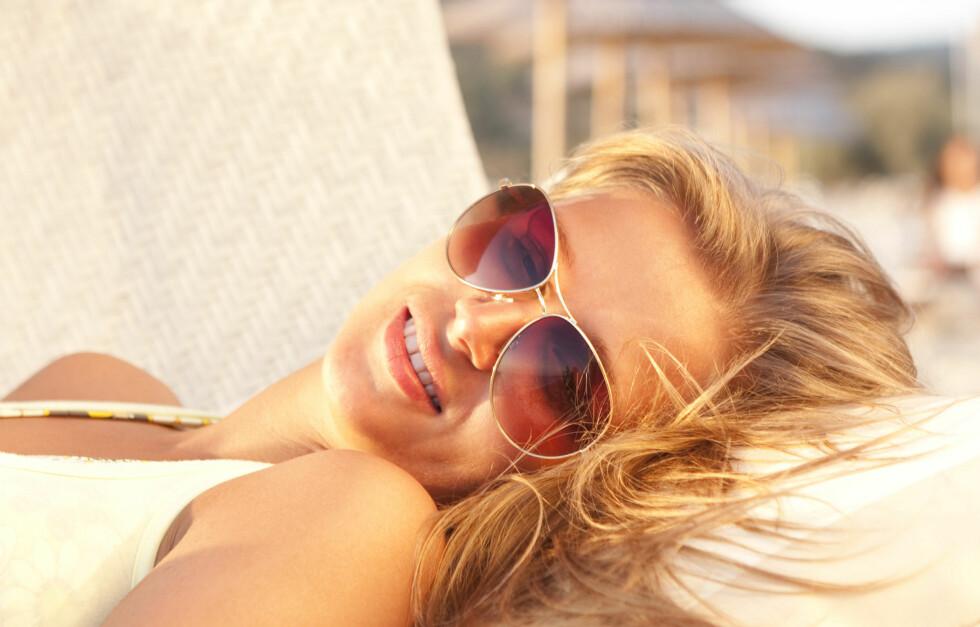 <strong>NYT SOLA:</strong> Du trenger ikke smøre på deg solkrem med én gang, sier kreftforsker. Foto: Colourbox