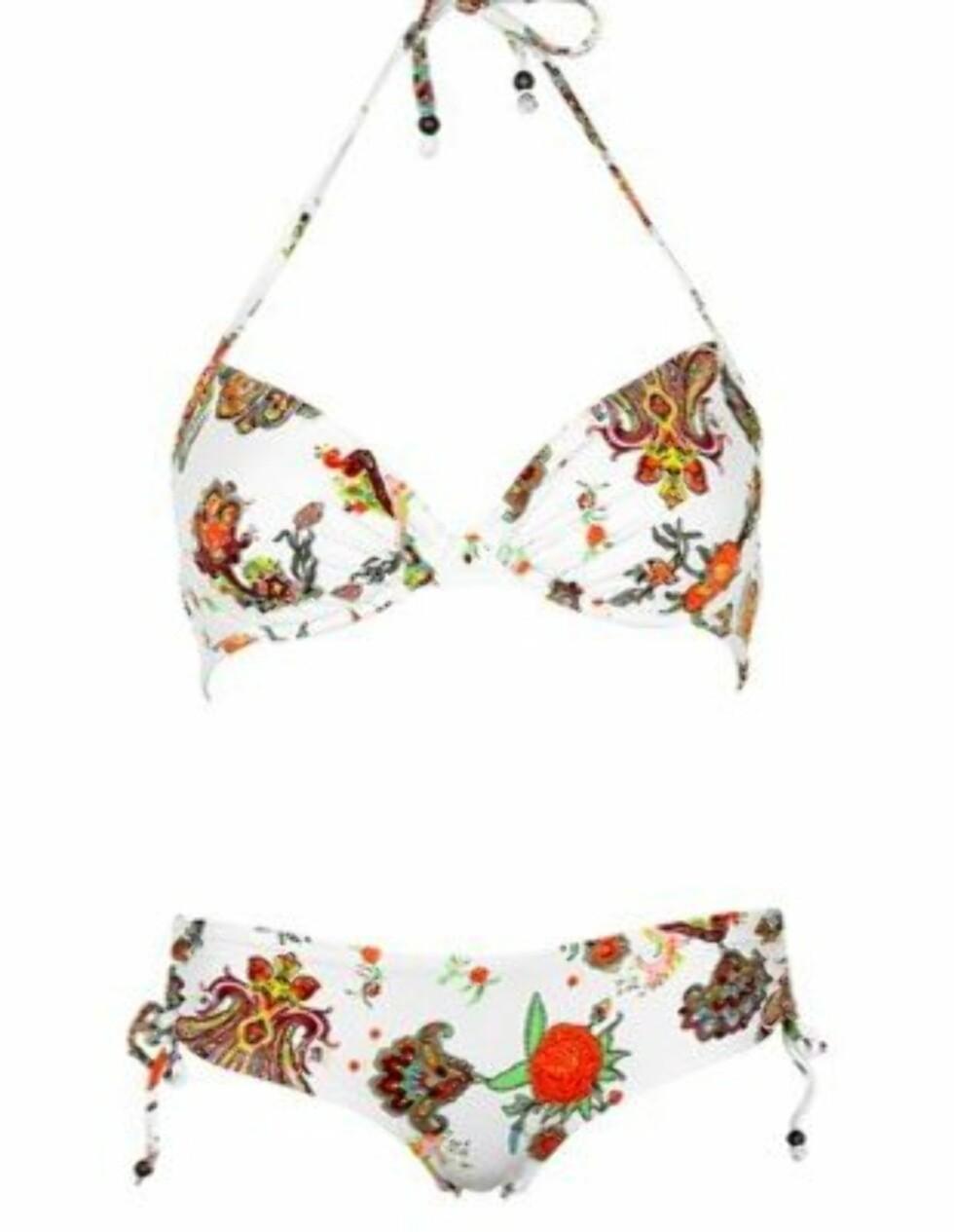 FRESH: Bikini med knyting bak og muntert blomstermønster (kr 200, Cubus).