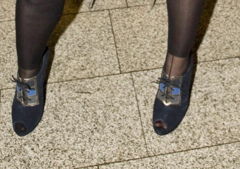 Disse skoene tok nesten knekken på Surferosa-vokalist Mariann Thommesen. - De er tidenes vondeste, sa hun til kk.no før hun gikk inn for å se trendvisningen på den offisielle åpningen av Oslo Fashion Week.
