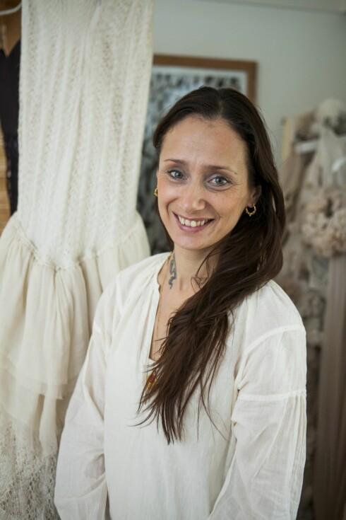 STOLT: Klesdesigner Leila Hafzi synes det er stor stas at kjolene hennes ble brukt under Oscar-utdelingen.  Foto: Per Ervland