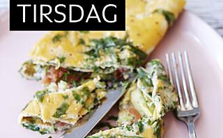 Egg- og spinatwraps med røkt laks, avokado og spisskål