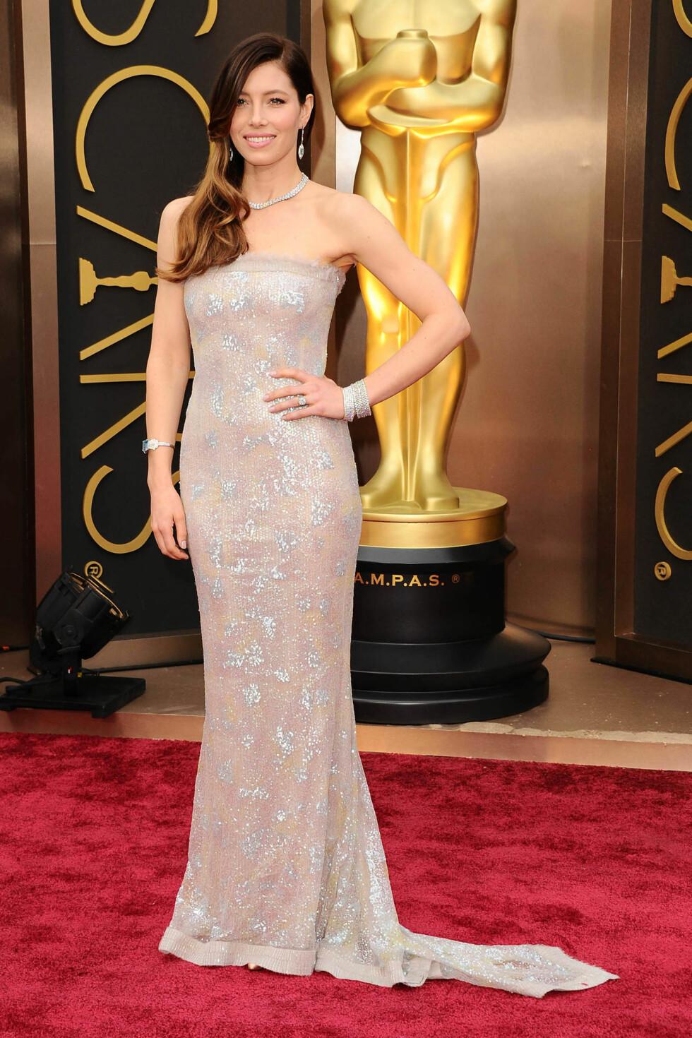 Jessica Biel i kjole fra Chanel Couture og smykker fra Tiffany & Co. Foto: All Over Press