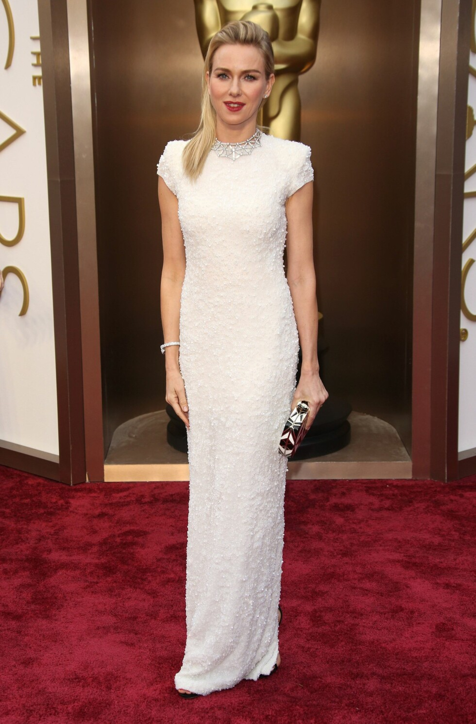 Naomi Watts i kjole fra Calvin Klein og smykke fra Bulgari. Foto: All Over Press