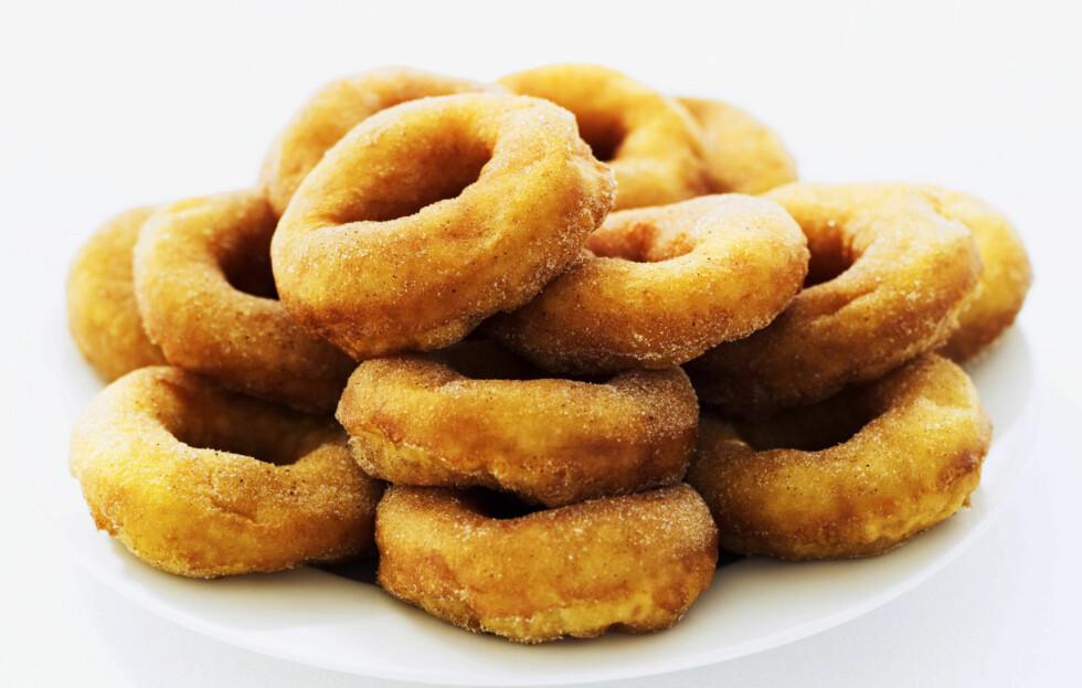 MEST KALORIER: Smultringen er den kaken som inneholder mest kalorier av de vi ofte spiser i jula.  Foto: Getty Images