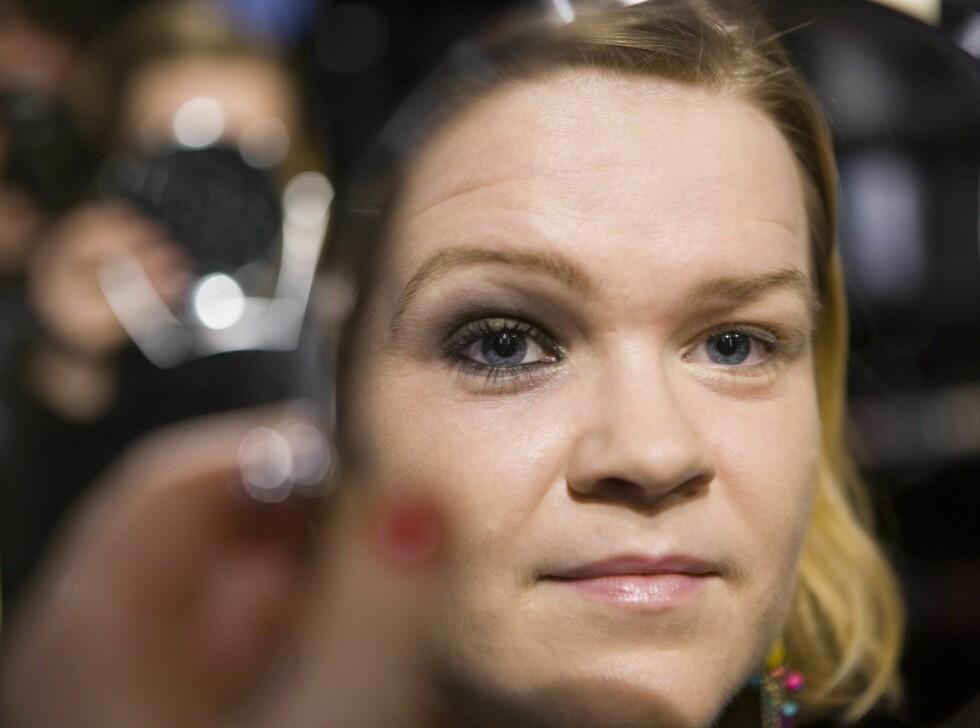 Stor forskjell på sminket og usminket øye... Foto: Per Ervland