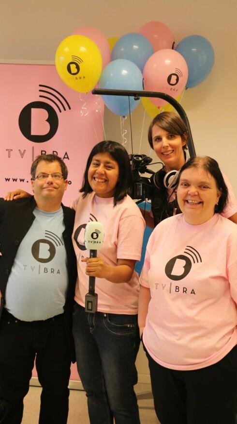 FEIRING: TV BRA lanserte sin egen nettside høsten 2014. Det måtte  selvfølgelig feires. Fra venstre: Rune Velsvik, Isabel Aanes, Camilla Kvalheim og Monica Nilsen. Foto: Privat
