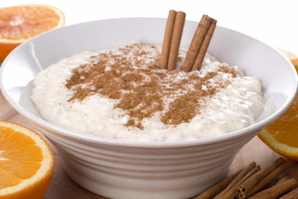 GRØT: Ingen førjulstid uten risengrynsgrøt. Dryss godt med kanel på, da blir måltidet ekstra sunt. Foto: Thinkstock.com