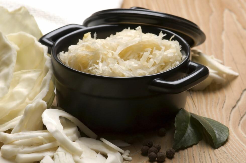 FORDEL MED SURKÅL: Karven i surkål kan faktisk redusere luftplager i magen.  Foto: Thinkstock.com