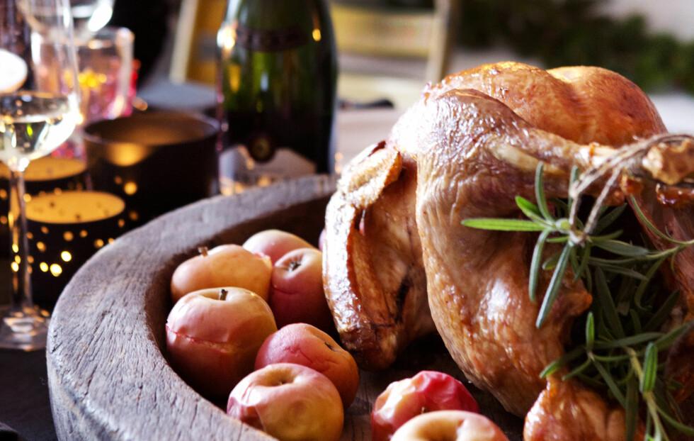 DET ER SERVERT: Tradisjonelt, men med noen nye smaker. DET er julemiddagen sin, det! Foto: All Over Press Norway/Yvonne Wilhelmsen