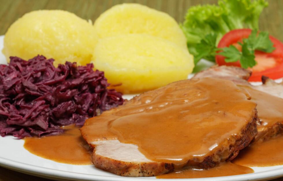 SAUS: Ved å velge riktig saus kan du spare mye kalorier. Faktisk inneholder sjysaus bare 20 kilokalorier, til sammenligning med en fløtesaus som inneholder 330 kilokalorier. Foto: manulito - Fotolia