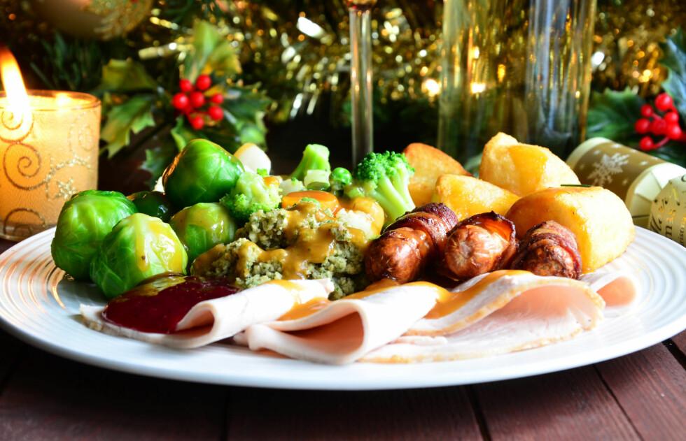 VÆR SÅ GOD: Når julematen er servert, bør du tenke på å forsyne deg riktig. Foto: PhotoEd - Fotolia