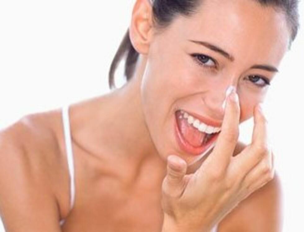 TILFØR FUKTIGHET: Etter en god rens av huden, bør du tilføre godt med fuktighet med en fuktighetskrem. Et serum før kremen kan gi økt effekt.