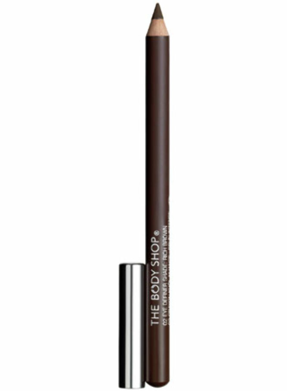 Body Shop Eye Definer er en rimelig kajal som er enkel å bruke, selv for nybegynnere, og fantastisk for å få en sotet effekt på 1-2-3. Veldig myk og skånsom blyant som ikke gir for markante streker.  Foto: Produsenten