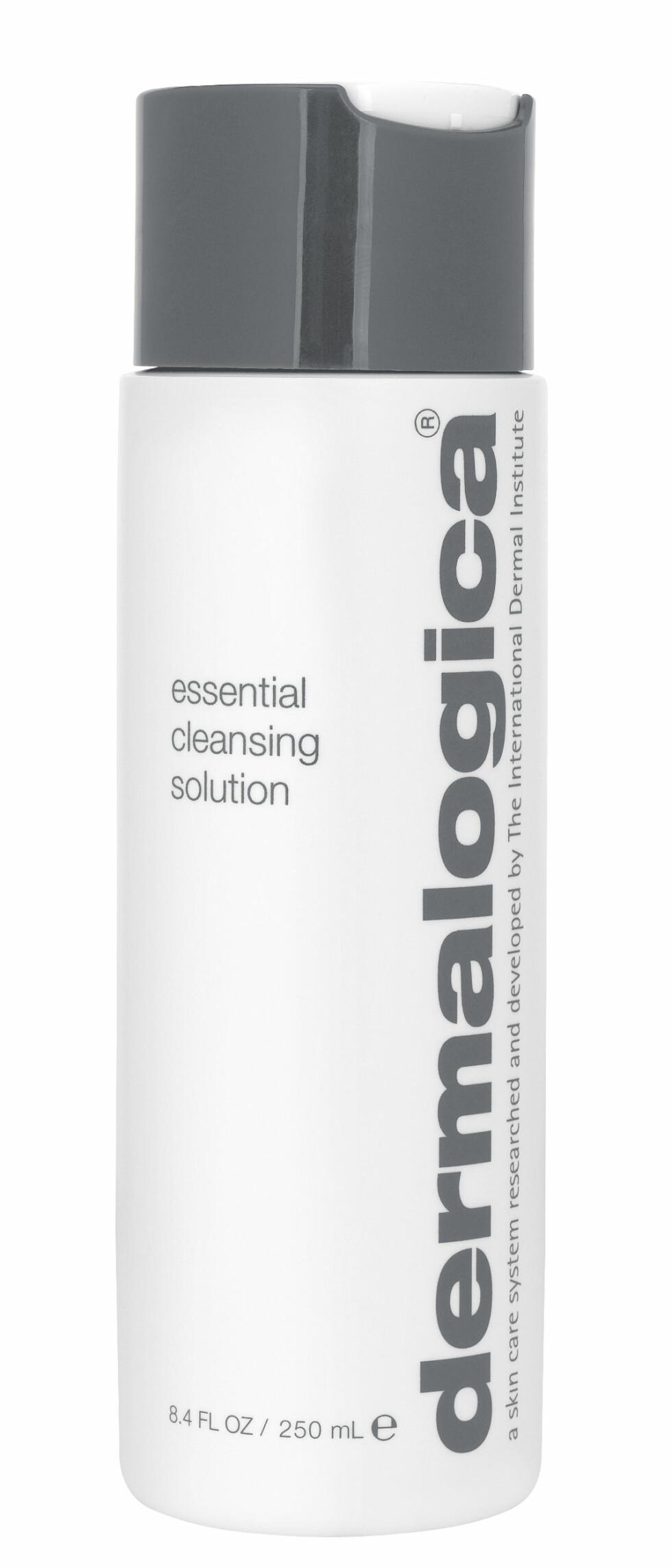 Essential Cleansing Solution er et rikt renseprodukt som mildt fjerner sminke, smuss og urenheter fra tørr, sensitiv hud, samtidig som den pleier i dybden og lindrer irritasjon, kr 350. Foto: Produsenten