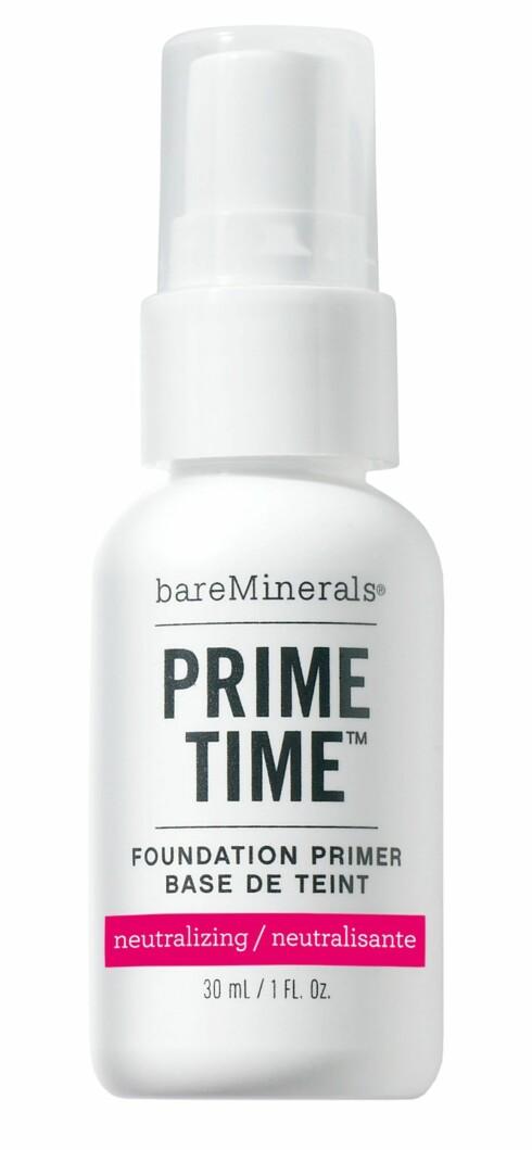 PRIMER: En god primer jevner huden og gir et bedre grunnlag for foundation slik at resultatet blir penere og varer lengre. Prime TIme fra BareMinerals, kr 459. Foto: Produsenten