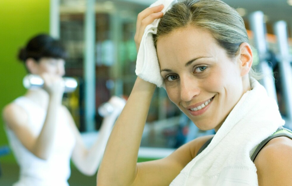 VAKKER AV TRENING: En slitsom og svett treningstime gjør godt for huden din. Foto: Colourbox