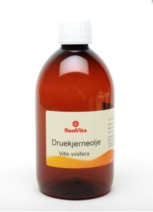 KAN REDDE TØRR HUD: Druekjerneolje, 500 ml, kr 105.  Foto: Produsenten