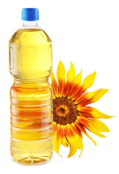 SOLSIKKEOLJE: Like bra for huden, og billigere enn olivenolje. Foto: Getty Images/iStockphoto