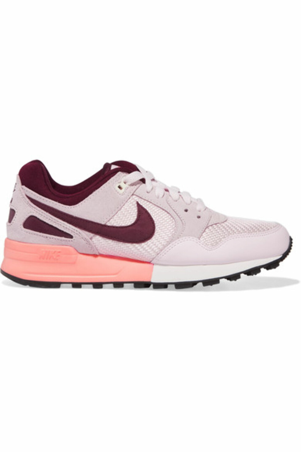 Sneakers fra Nike via Net-a-porter.com, kr 441.
