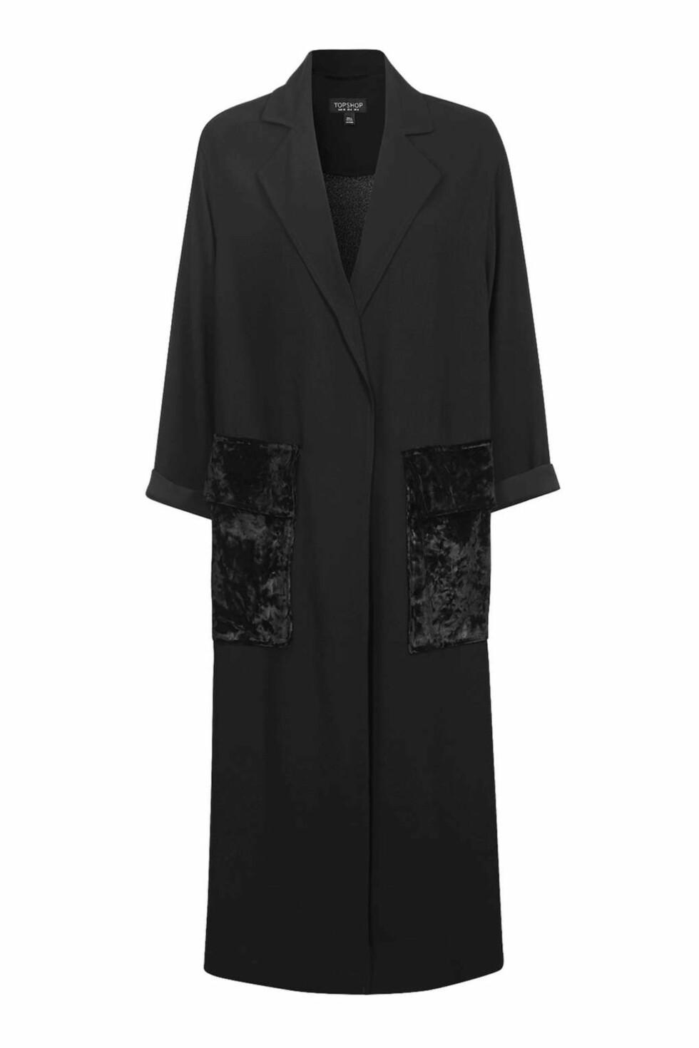 Kåpe fra Topshop   kr 750   http://www.topshop.com/en/tsuk/product/clothing-427/jackets-coats-2390889/velvet-pocket-duster-coat-5996081?bi=140&ps=20