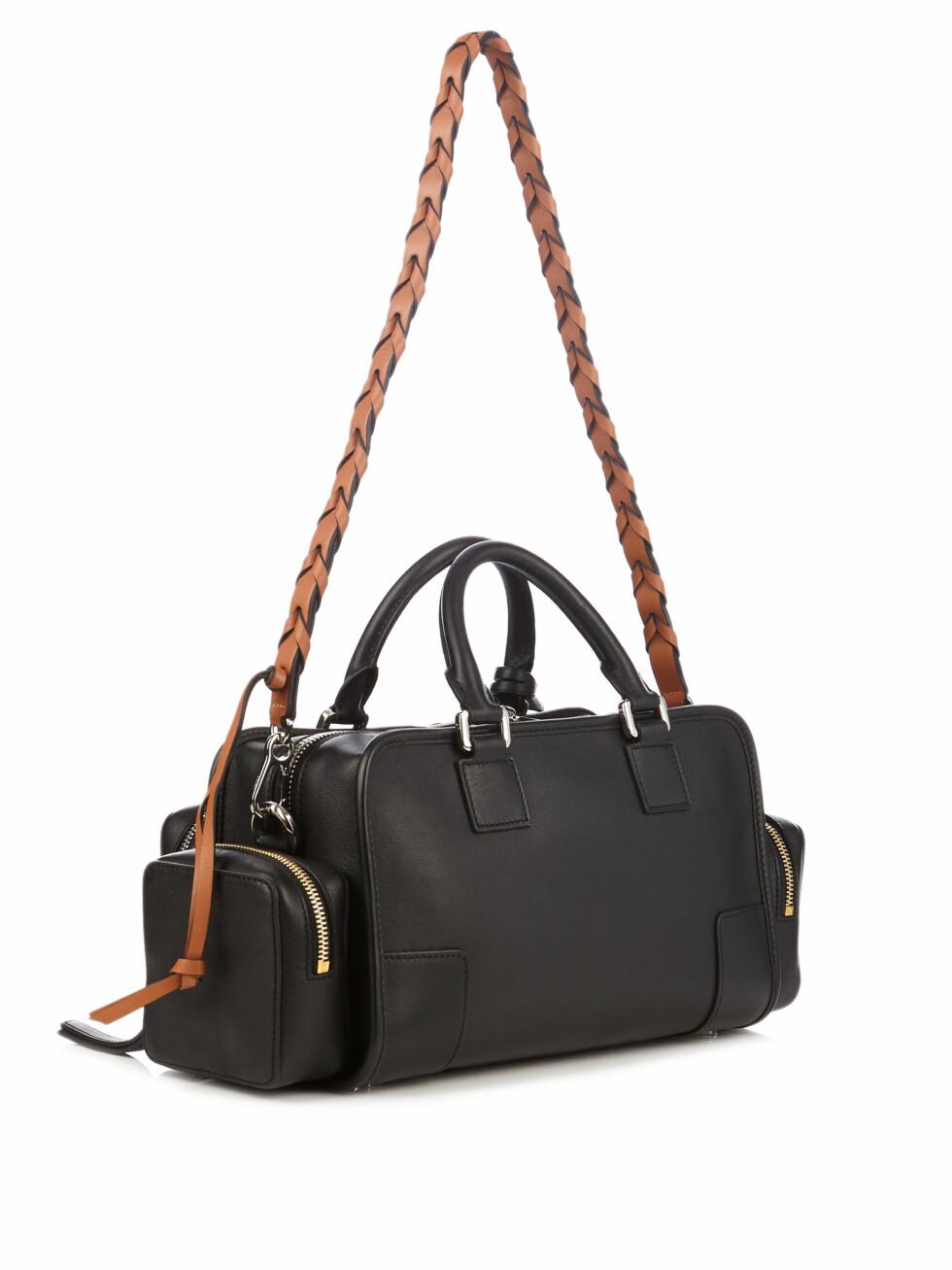 Veske fra Loewe via Matchesfashion.com | kr 15855 | http://www.matchesfashion.com/intl/products/Loewe-Amazona-28-Pockets-leather-tote-1066311