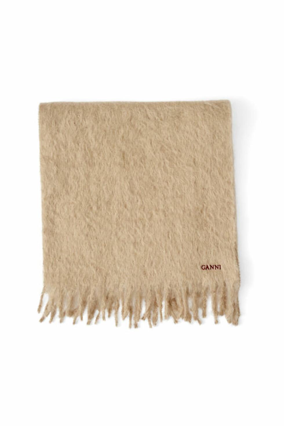 Skjerf fra Ganni | kr 959 | http://www.ganni.com/shop/accessories/farley-mohair-scarf/A0961.html?dwvar_A0961_color=Tobacco%20Brown