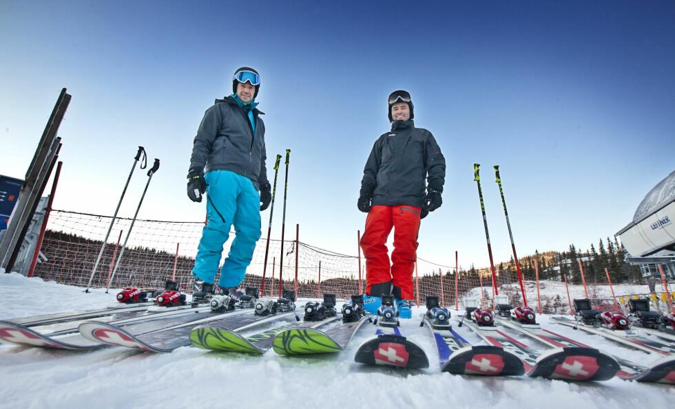 SELG TING PÅ FINN: Gammelt utstyr, som alpinski, kan selges på Finn og gir en god slamp i en slunken lommebok.  Foto: NTB Scanpix