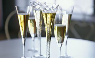 Champagne, vin eller øl - hva skaper minst krøll?