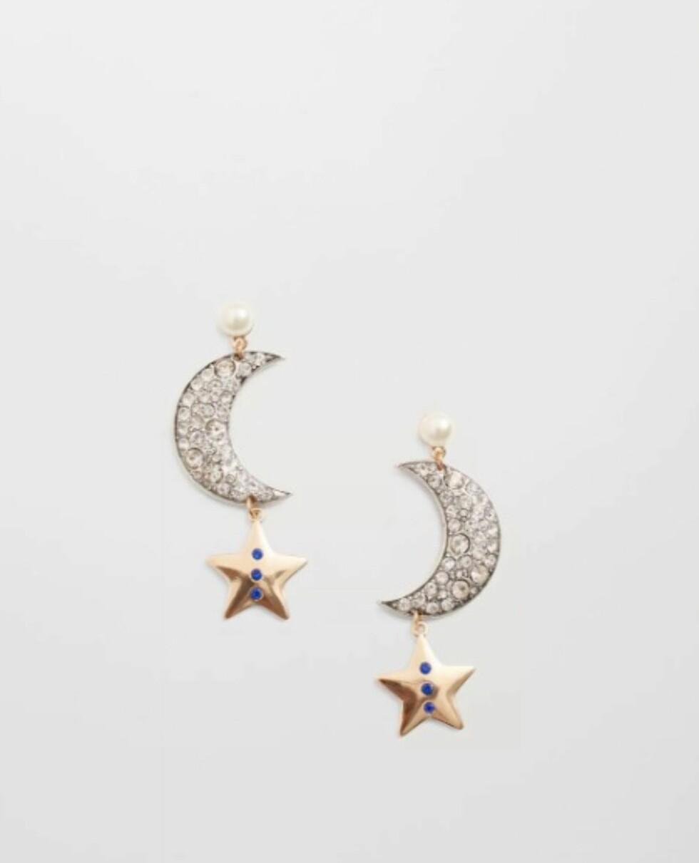 Øredobber med stjerne fra Mango   kr 99   http://shop.mango.com/NO/p1/damer/tilbeh%C3%B8r/smykker/%C3%B8redobber/fasetterte-krystall-%C3%B8reringer?id=73015563_PL&n=1&s=accesorios.bisuteria&ts=1484224611866
