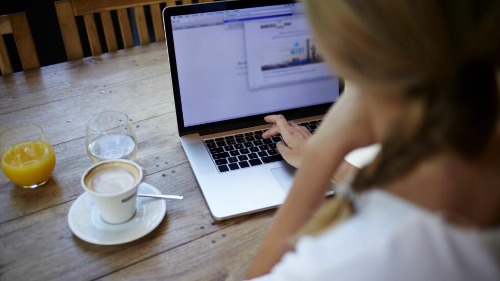 PENSJONSSPARING: Det kan være lurt å sjekke hva du har krav på av pensjon dersom du ikke er fast ansatt.  Foto: Shutterstock / GaudiLab